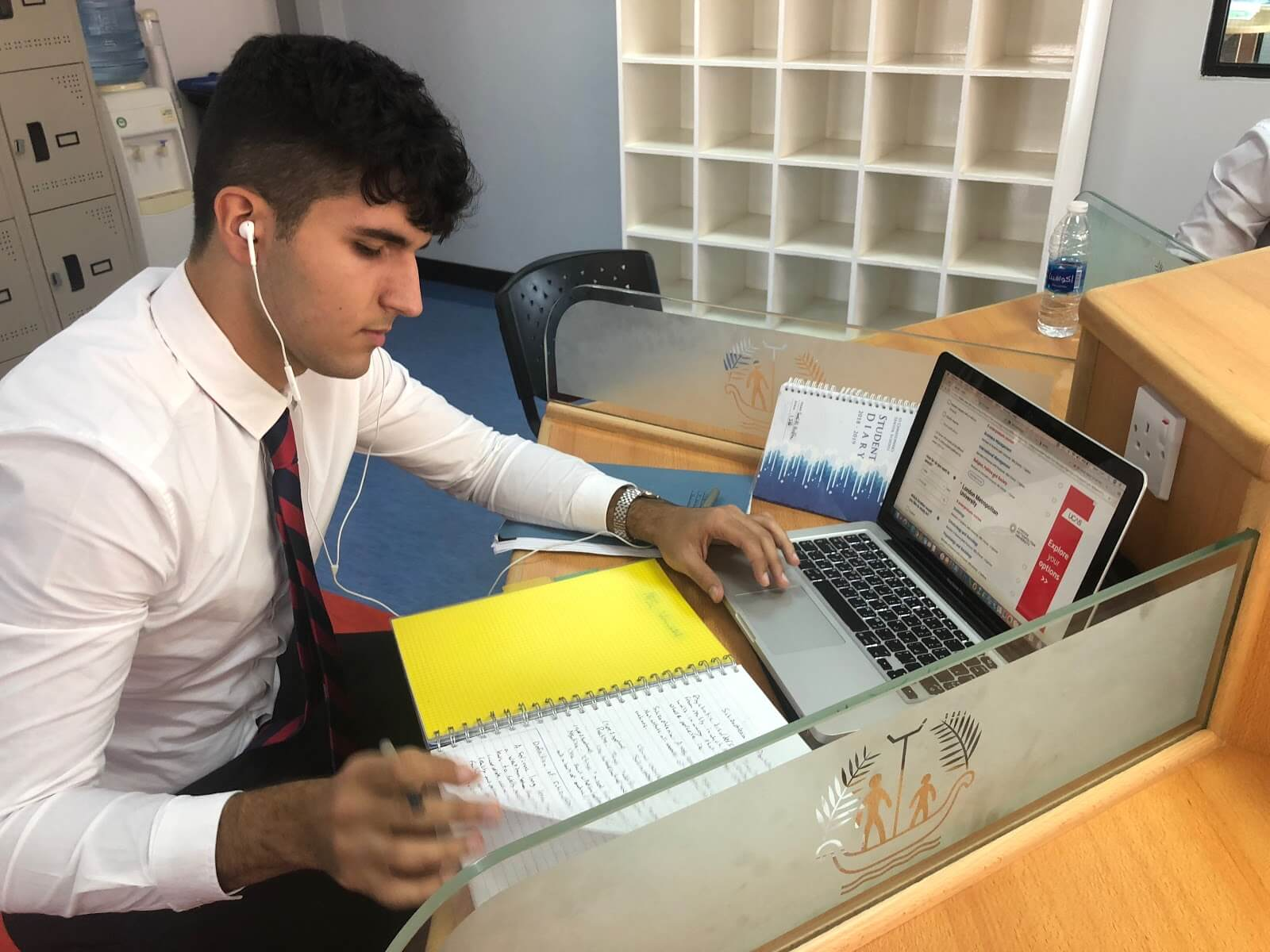 Supervised study: Work at A level can be hard to manage if you have got other responsibilities on top of your academic subjects to prioritise. However, our supervised study sessions give us time to catch up on missed work, or prepare for the next lesson. At this time of the year we also focus on university applications, personal statements and further research. Knowing our Head of Year and Form Tutor are there to give their support and experience is a huge support.